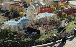 "LegoLand's ""Inauguration"""