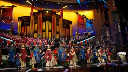 2011-motab-christmas-stage