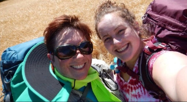 Shawna & Abby, Mormon Pilgrims on the Camino