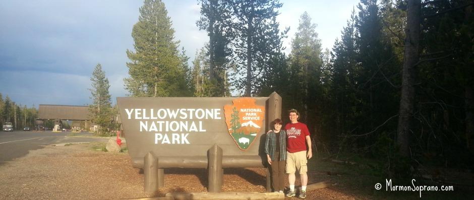 Yellowstone-west-entrance