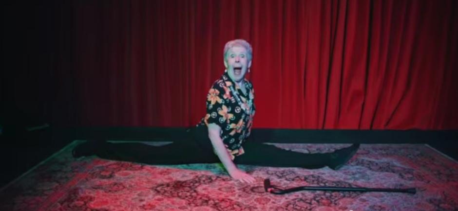 Grandma does the splits!