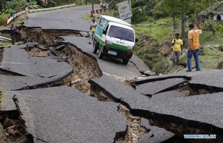 Nepal-earthquake-Road-damage