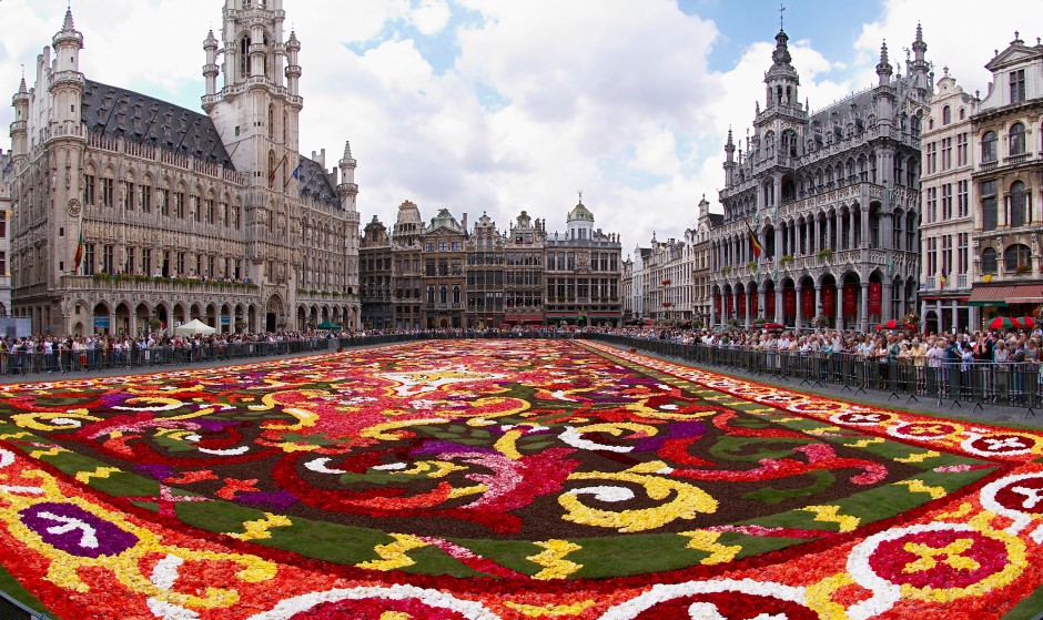 Brussels Belgium, Grand Plaza (featuring the annual festival floral carpet) - @Wikipedia