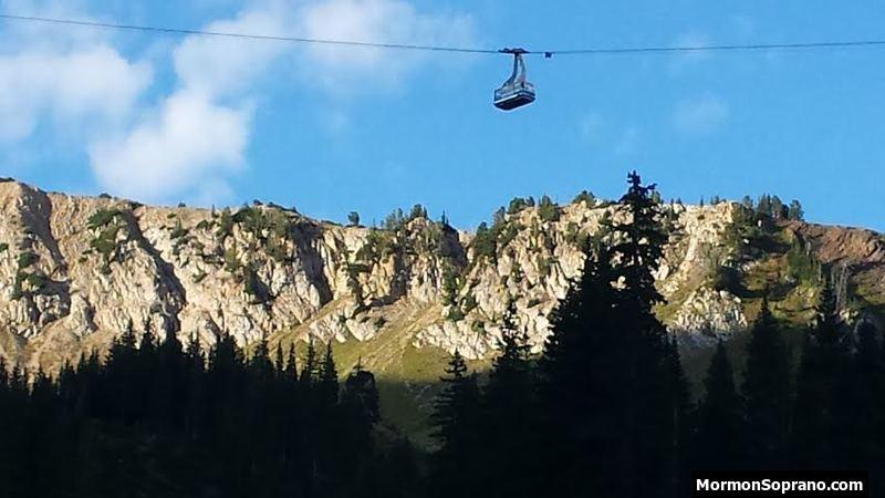 The Tram soaring over Peruvian Ridge
