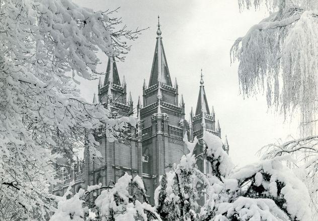 lds-temple-salt-lake-city-winter-scene