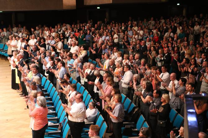2016-07-01 Meistersingerhalle audience applause