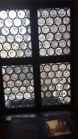 2016-07-01 Nuremberg-durer-house-windows