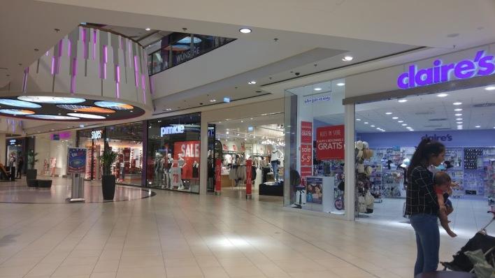 Skyline Plaza shops