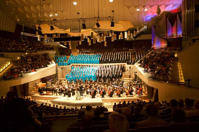 2016-07-28-Berlin-MoTab-Philharmonie-DesNews