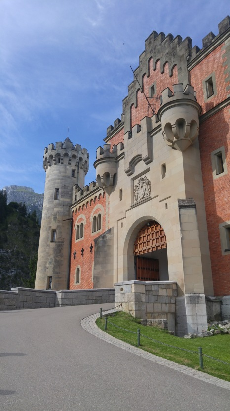 The fairy tale entrance to the castle