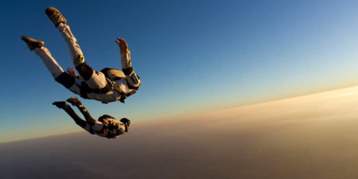 skydiving free falling