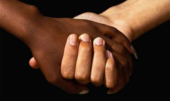 intterracial-couple-holding-hands